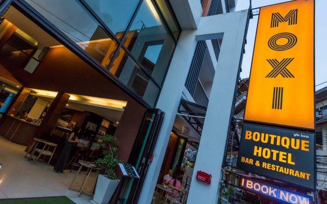 Отель Moxi Boutique Патонг вид на фасад