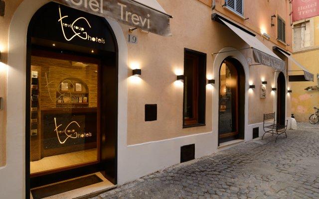 Hotel Trevi вид на фасад