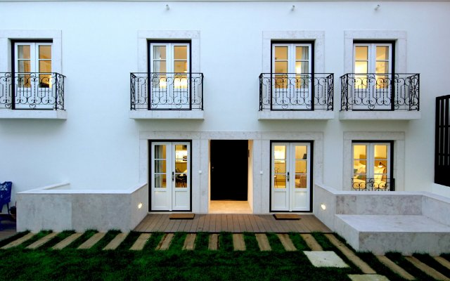 Отель Alma Moura Residences вид на фасад