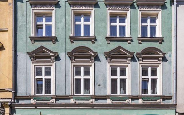 Отель Floryan Old Town Краков вид на фасад
