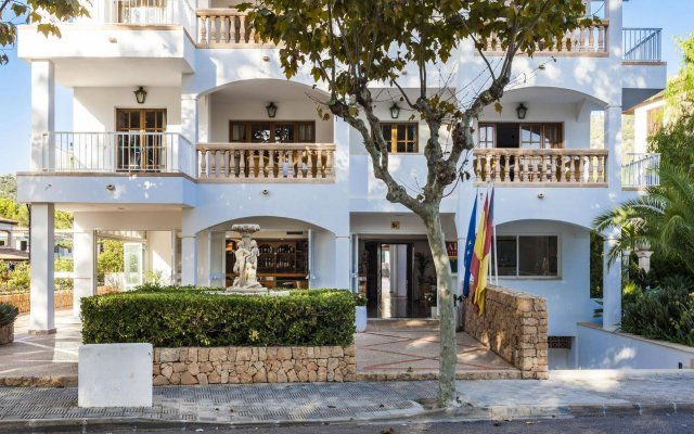 Отель Apartamentos Sa Torre Каньямель вид на фасад
