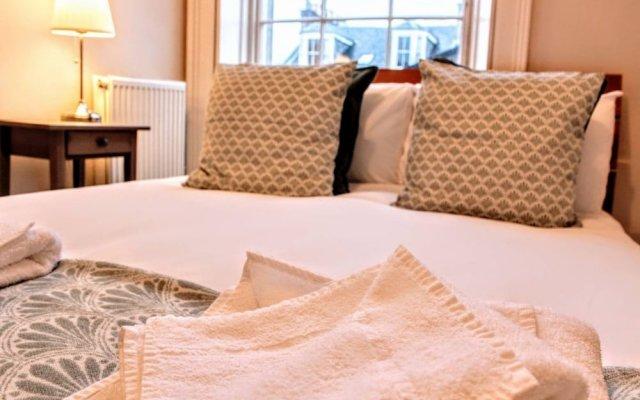 Отель 2 Bedroom Flat In The Central New Town Великобритания, Эдинбург - отзывы, цены и фото номеров - забронировать отель 2 Bedroom Flat In The Central New Town онлайн комната для гостей