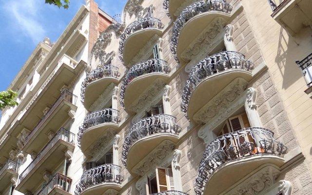 Отель Hostal Balkonis вид на фасад