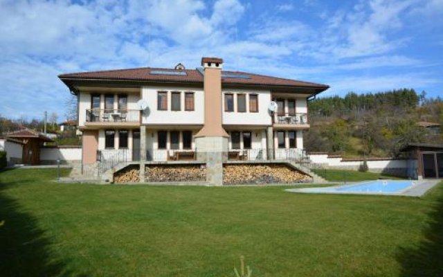 Отель Sinabovite Houses Болгария, Боженци - отзывы, цены и фото номеров - забронировать отель Sinabovite Houses онлайн вид на фасад