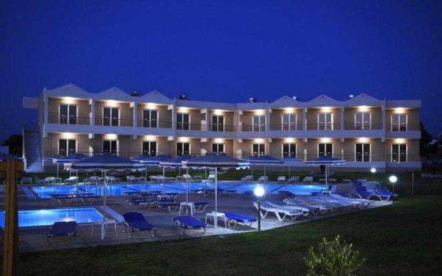 Emerald Hotel вид на фасад