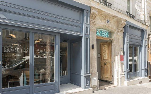 Отель Hôtel Basss вид на фасад