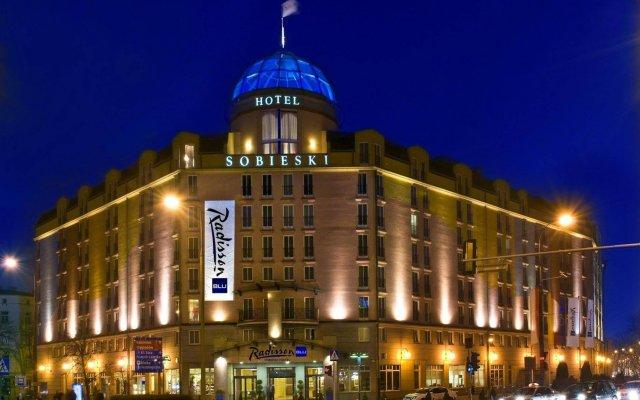 Radisson Blu Sobieski Hotel вид на фасад