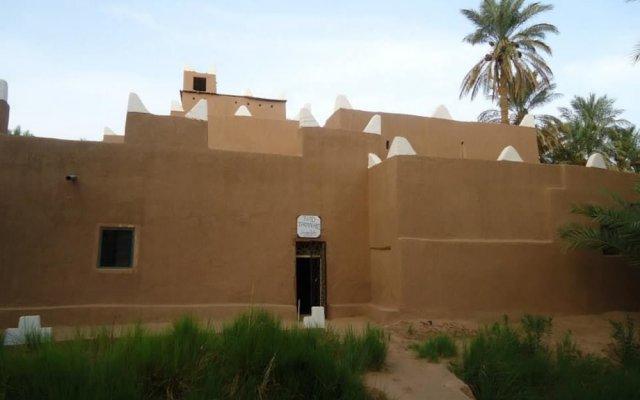 Отель Riad Tagmadart Ferme D'hôte Марокко, Загора - отзывы, цены и фото номеров - забронировать отель Riad Tagmadart Ferme D'hôte онлайн вид на фасад