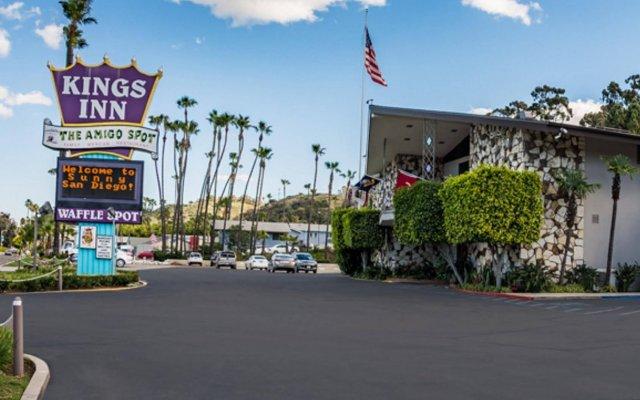 Отель Kings Inn San Diego - Seaworld - Zoo США, Сан-Диего - 1 отзыв об отеле, цены и фото номеров - забронировать отель Kings Inn San Diego - Seaworld - Zoo онлайн вид на фасад