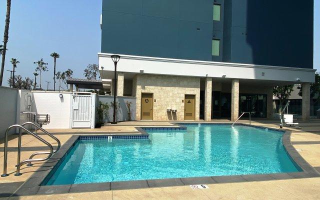 Staybridge Suites Long Beach Airport, an IHG Hotel