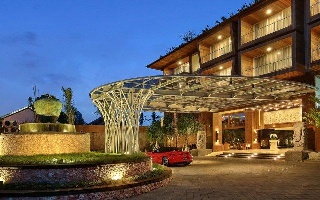 Отель Jimbaran Bay Beach Resort & Spa вид на фасад