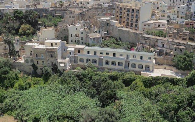 Отель Inhawi Hostel Мальта, Слима - 1 отзыв об отеле, цены и фото номеров - забронировать отель Inhawi Hostel онлайн вид на фасад