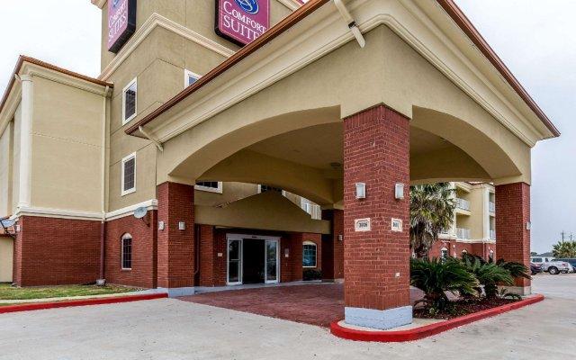 Отель Comfort Suites Galveston США, Галвестон - отзывы, цены и фото номеров - забронировать отель Comfort Suites Galveston онлайн вид на фасад