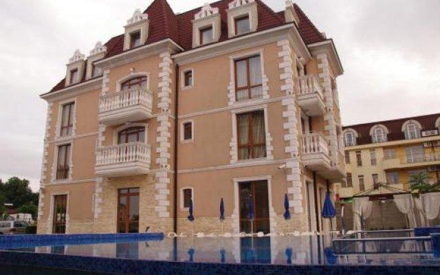Hotel Aristokrat Аврен вид на фасад