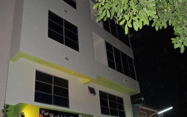 Отель Off Day Inn Мале вид на фасад