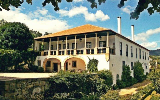 Отель Rural Casa Viscondes Varzea Португалия, Ламего - отзывы, цены и фото номеров - забронировать отель Rural Casa Viscondes Varzea онлайн вид на фасад