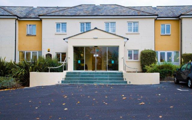 Mercure Newbury West Grange Hotel вид на фасад