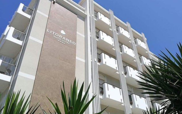 Отель Suite Litoraneo Римини вид на фасад
