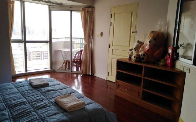 Апартаменты down town apartment near bts station Бангкок комната для гостей