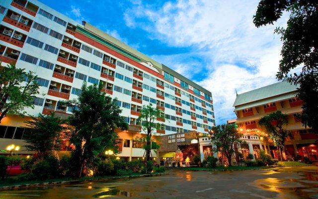 Отель Jolly Suites & Spa Thaphra Таиланд, Бангкок - отзывы, цены и фото номеров - забронировать отель Jolly Suites & Spa Thaphra онлайн вид на фасад