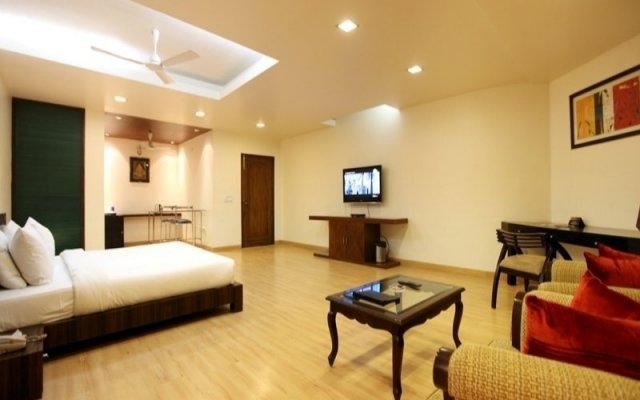 Hotel Clark Greens New Delhi