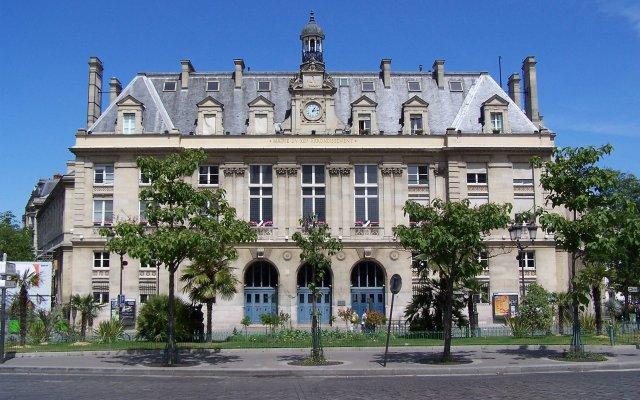 Отель Coypel вид на фасад