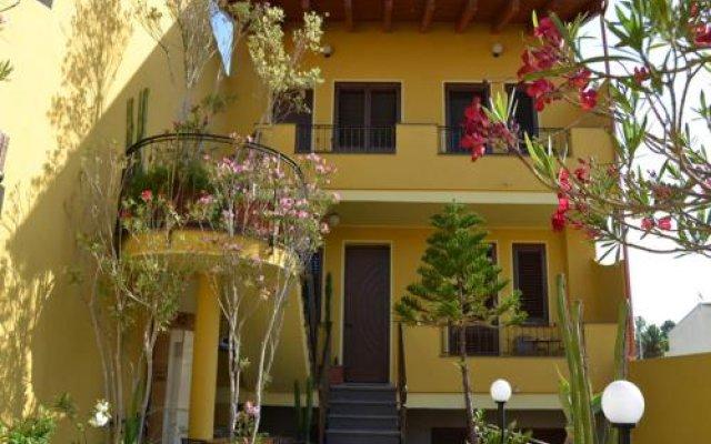 Отель Affittacamere Al Mare Ористано вид на фасад
