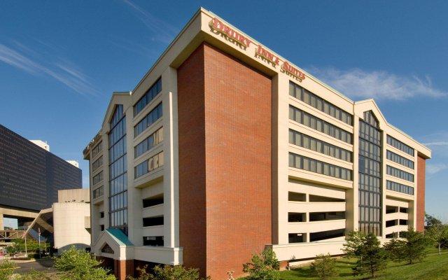 Отель Drury Inn & Suites Columbus Convention Center вид на фасад