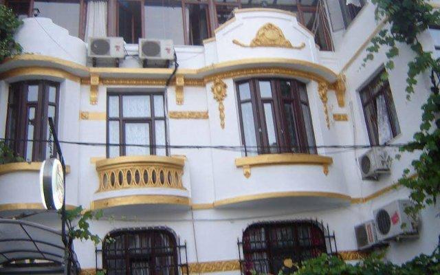 Отель Nayla Palace вид на фасад