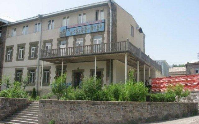 Отель Kyores вид на фасад