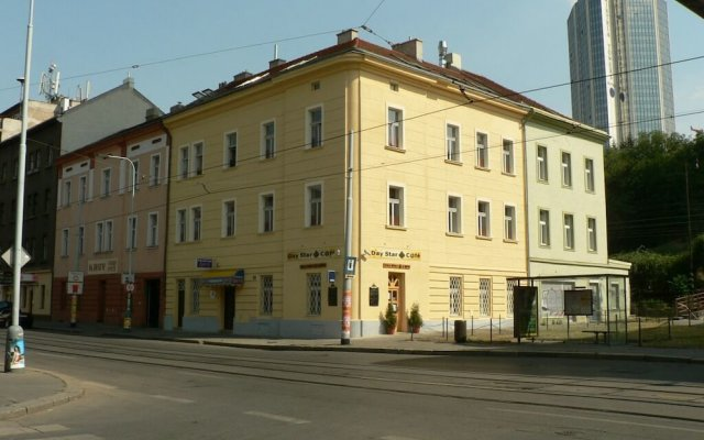 Отель Pension Beta вид на фасад