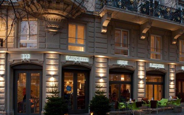 Hotel Platzhirsch вид на фасад