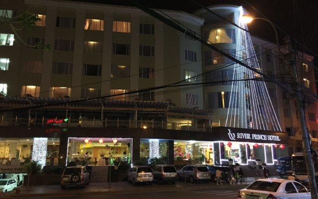 River Prince Hotel вид на фасад