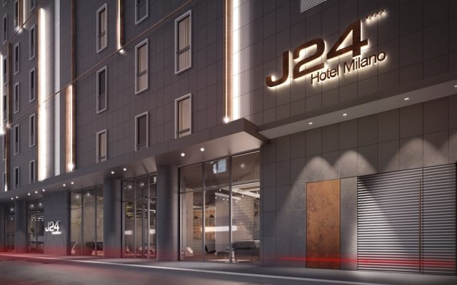 J24 Hotel Milano вид на фасад