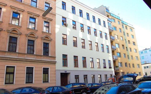 Отель Vienna Family Apartments Австрия, Вена - отзывы, цены и фото номеров - забронировать отель Vienna Family Apartments онлайн вид на фасад