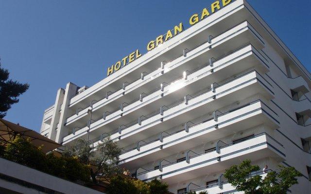 Отель Gran Garbi Mar Испания, Льорет-де-Мар - отзывы, цены и фото номеров - забронировать отель Gran Garbi Mar онлайн вид на фасад
