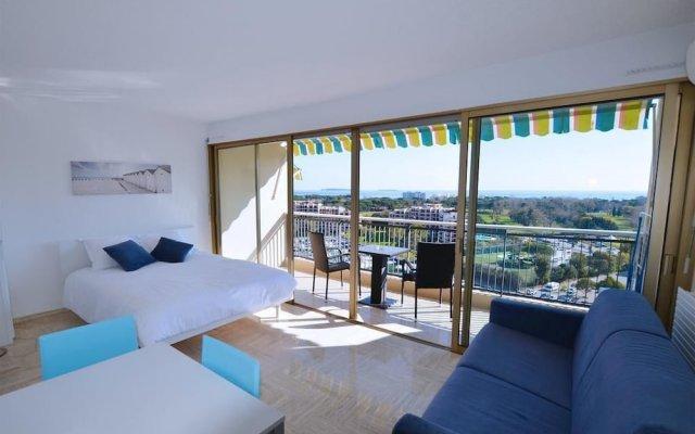 Отель Cannes Marina Golf Франция, Мандельё-ла-Напуль - отзывы, цены и фото номеров - забронировать отель Cannes Marina Golf онлайн комната для гостей
