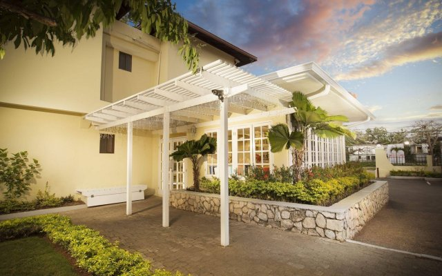 Отель Rooms on the Beach Negril вид на фасад