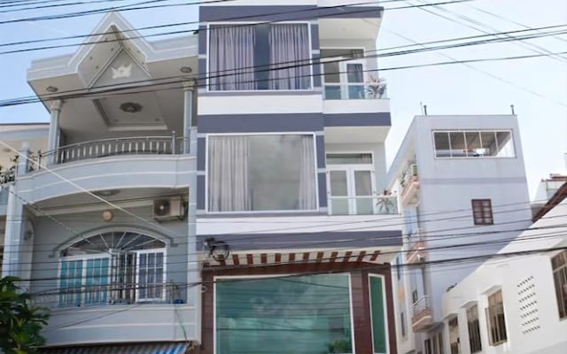 Trang Long Hotel вид на фасад
