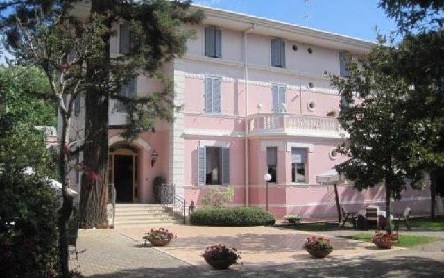 Hotel Gioia Garden Фьюджи вид на фасад