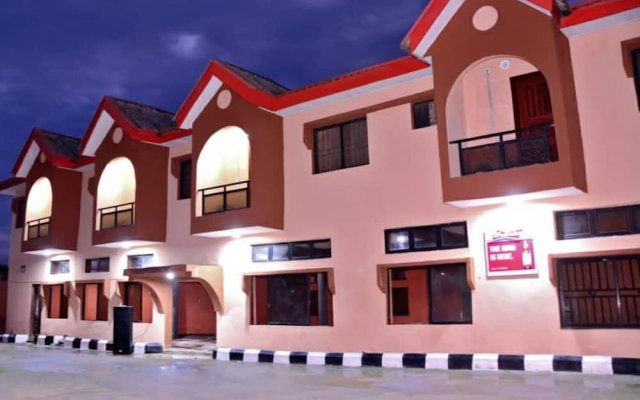 Отель De Wise Hotel Нигерия, Ибадан - отзывы, цены и фото номеров - забронировать отель De Wise Hotel онлайн вид на фасад
