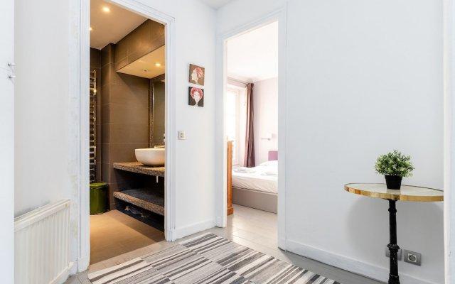 Апартаменты Eiffel Tower - Pont de l'Alma Apartment комната для гостей
