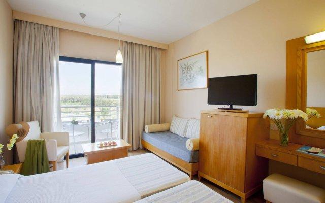 Отель Louis Phaethon Beach - All Inclusive комната для гостей