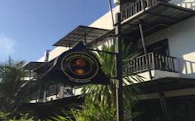 Отель Sunrise Guesthouse Таиланд, Бухта Чалонг - отзывы, цены и фото номеров - забронировать отель Sunrise Guesthouse онлайн вид на фасад