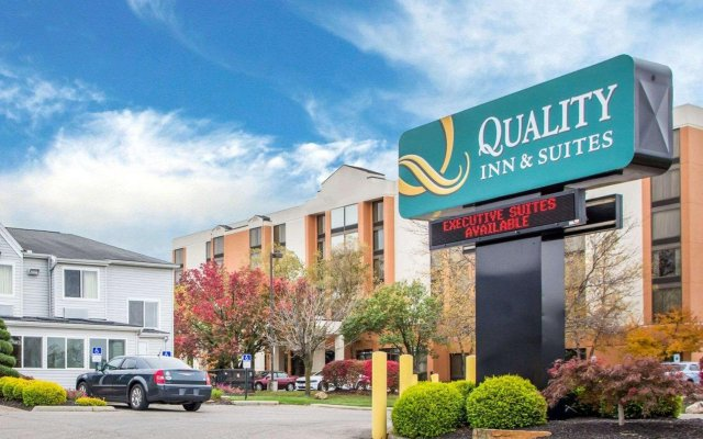 Отель Quality Inn and Suites North/Polaris вид на фасад