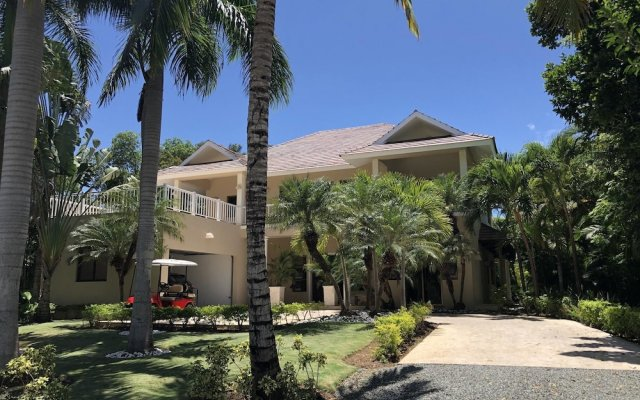 Отель Villa With 3 Bedrooms in Punta Cana, With Private Pool, Furnished Gard вид на фасад