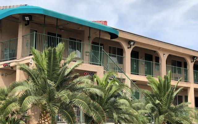 Отель Crown Motel США, Лас-Вегас - отзывы, цены и фото номеров - забронировать отель Crown Motel онлайн вид на фасад
