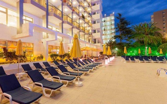 Отель Beverly Park & Spa Испания, Бланес - 10 отзывов об отеле, цены и фото номеров - забронировать отель Beverly Park & Spa онлайн вид на фасад