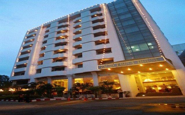 Отель Ebina House Бангкок вид на фасад