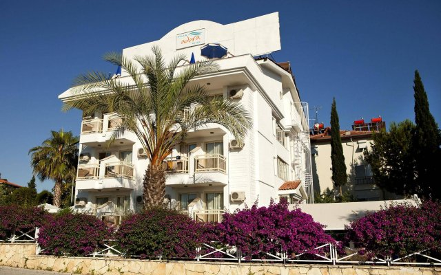 Отель Villa Adora Beach вид на фасад